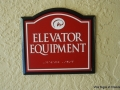 red-elevator-equip-on-wall-interior-rosen