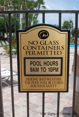 no-glass-pool-sign-on-gate
