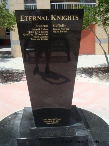 exterior-eternal-flame-plaque